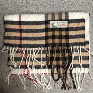 Super soft cashmere feel scarf